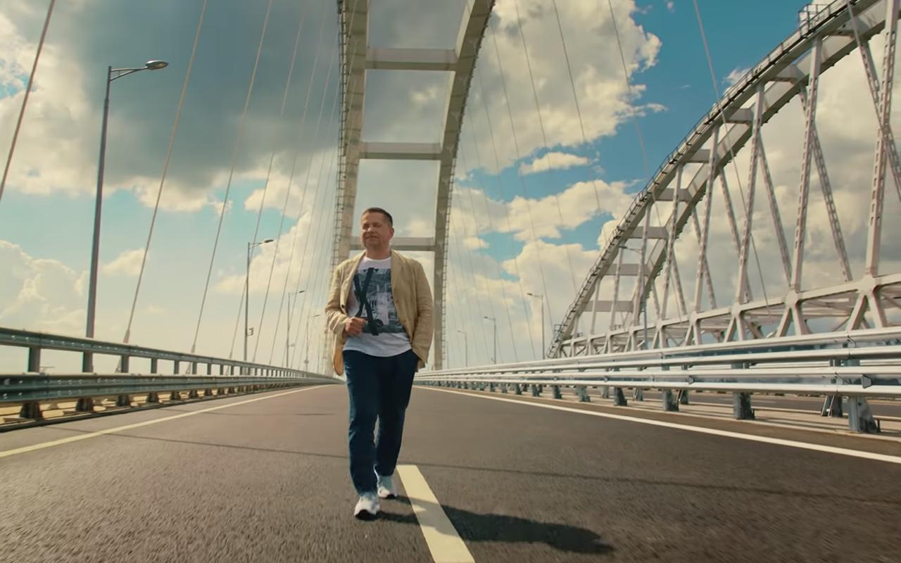 Новая песня группы «Любэ»— про отпуск иКрымский мост. Слушайте на«Зарулем»!— фото 969772