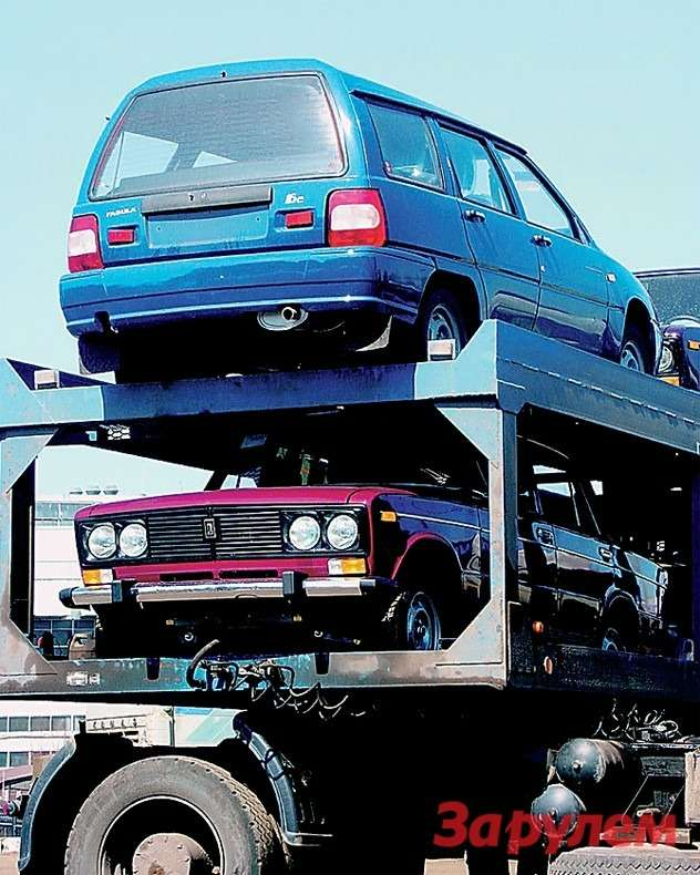 Долгое время сконвейера автозавода сходили модели трех марок— «Лада», ИЖи«Киа».