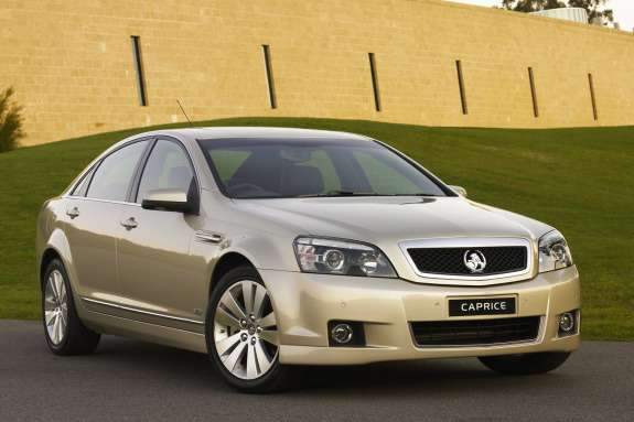 Holden WM Caprice side-front view