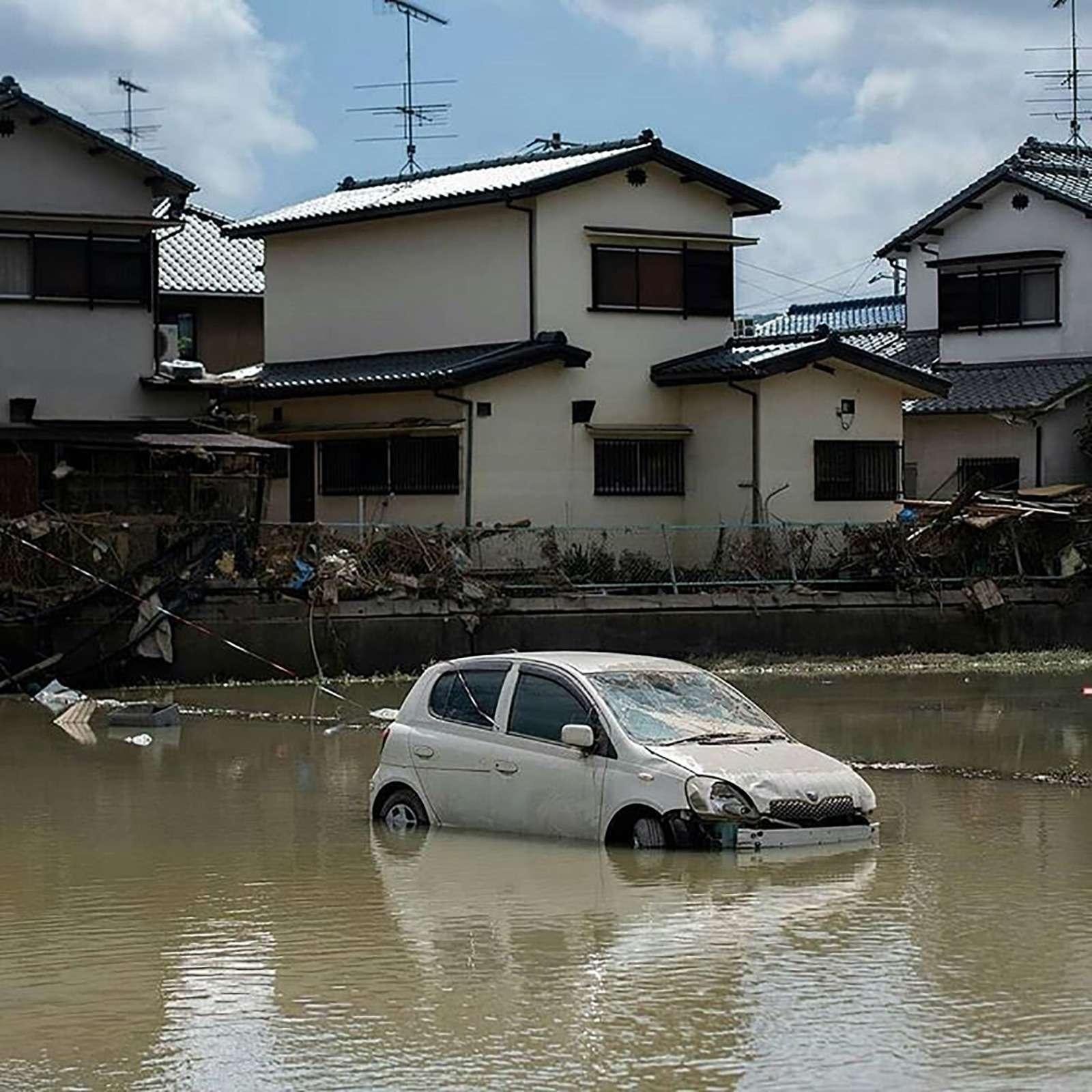 Наводнение вЯпонии: тысячи утопленных машин. Ждем ихвРоссии?— фото 886643