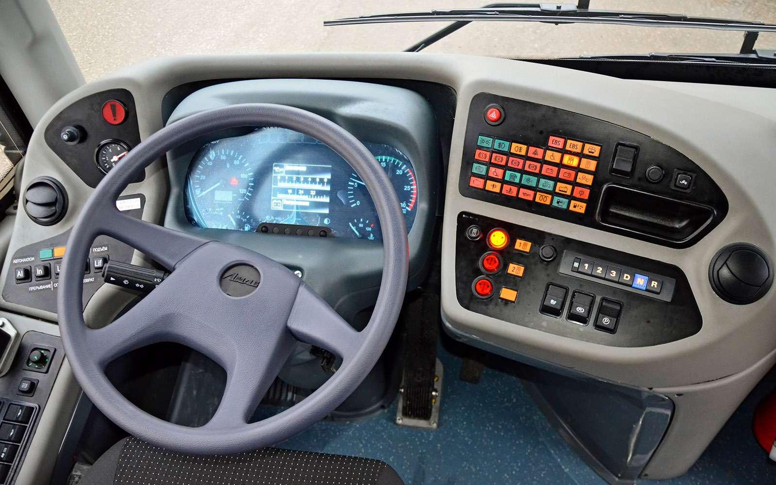 Низкопольные автобусы ЛиАЗ: легким шагом— фото 736754