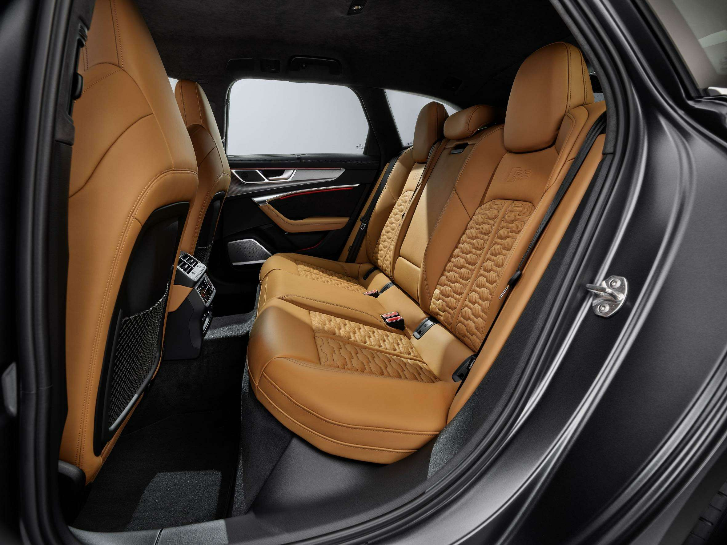Audi сделала 600-сильный универсал A6с фарами отA7— фото 993277