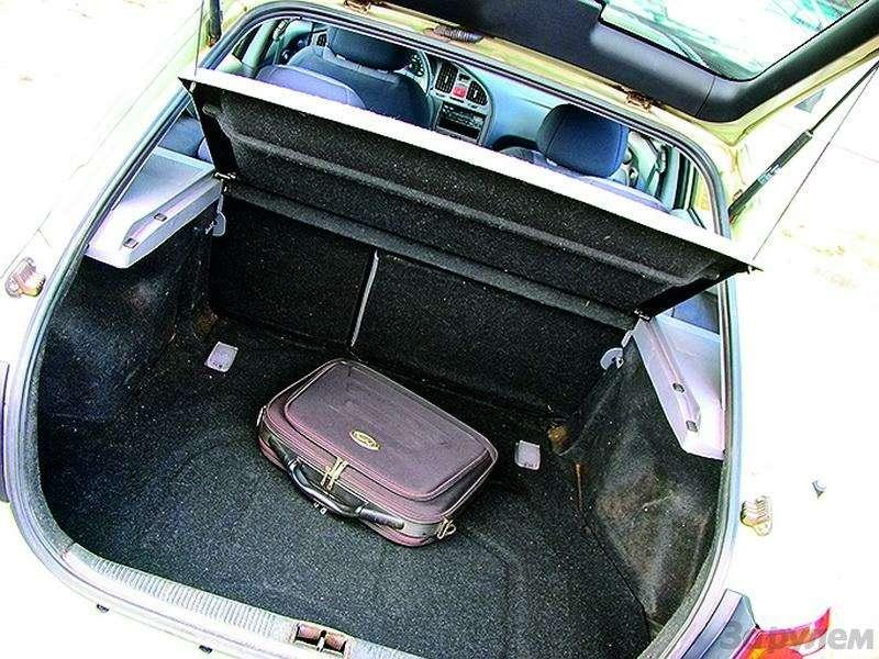 Hyundai Elantra (2000-2007, 2008-н.в.): Разумно идостаточно— фото 93310