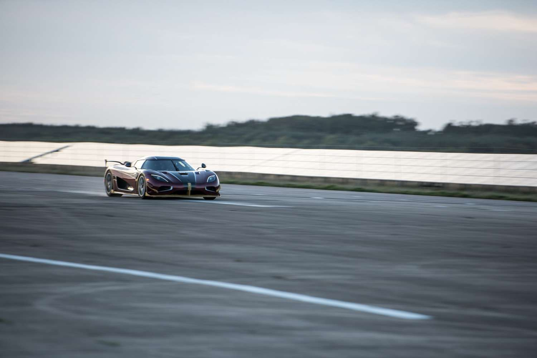 Новый мировой рекорд Koenigsegg Agera RS— 0-400 км/ч за26,8 сек.— фото 802015