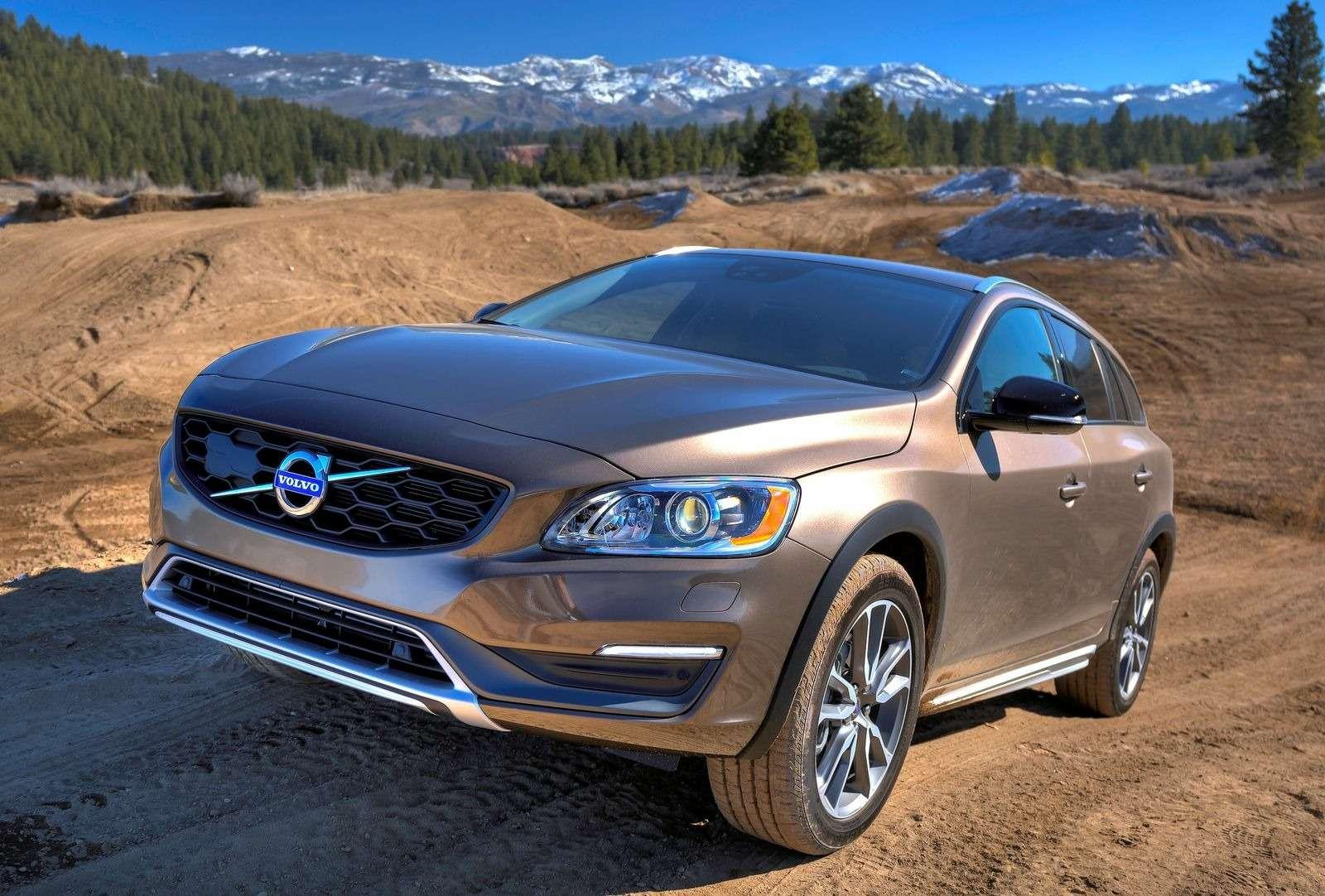 Volvo расширила модельный ряд вРоссии засчет «внедорожных» S60и V60— фото 374324