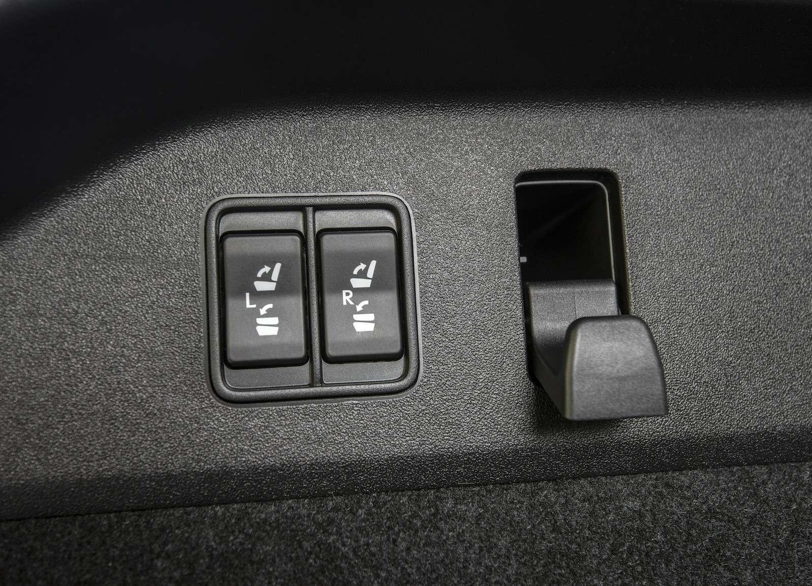 Тест-драйв Lexus RX350L AWD: когда «L»— вовсе не«Long»— фото 915740