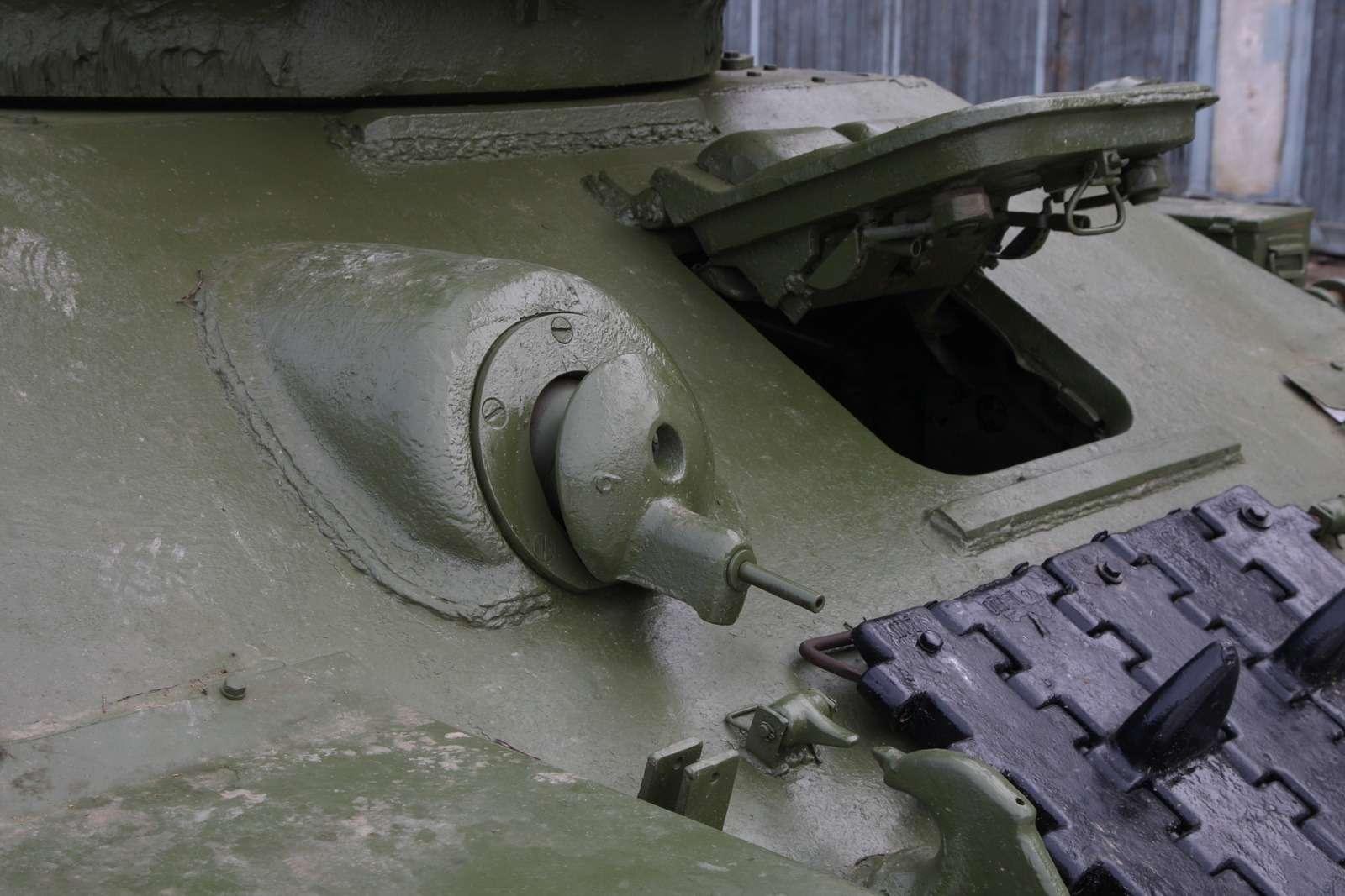 Танк Т-34: огнем иманевром— фото 684009