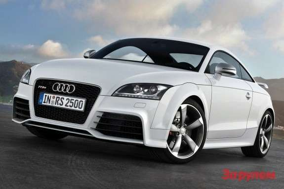 Audi TT RS side-front view