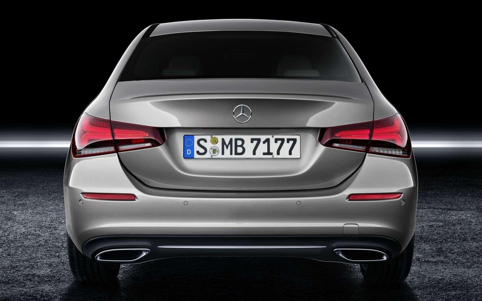 Евростандарт: представлен короткий седан Mercedes-Benz A-класса— фото 890431