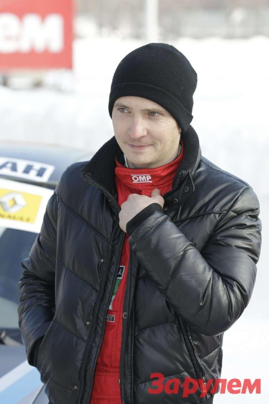Александр Артемьев, участник Гонки Звезд «Зарулем»-2013(команда «RS-motorsport», автомобиль ВАЗ-11196 Lada Kalina)