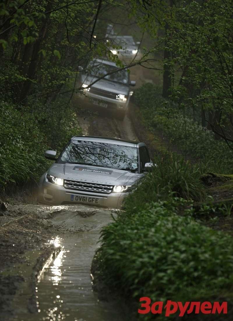 Range Rover Evoque не спасовал перед старшими моделями