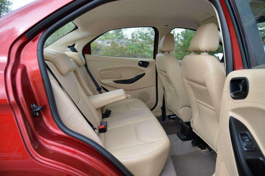 Ford представил новый бюджетный седан, дешевле Фокуса— фото 903679