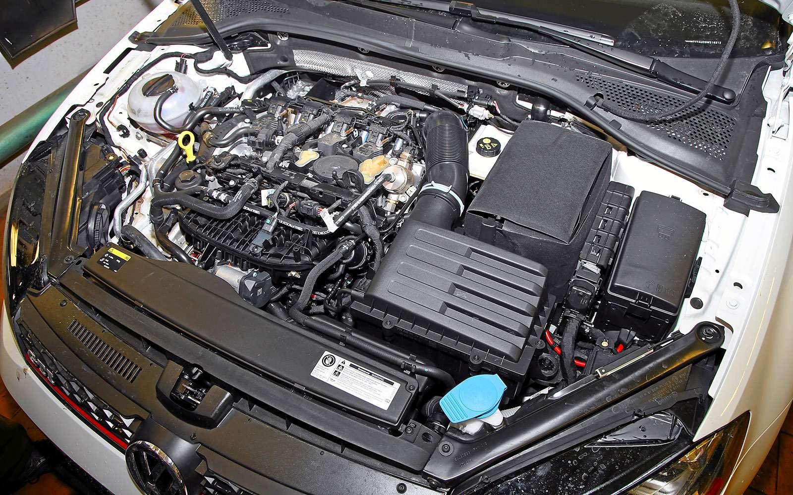 VWGolf GTI против Infiniti Q30—  кто любит погорячее— фото 710201