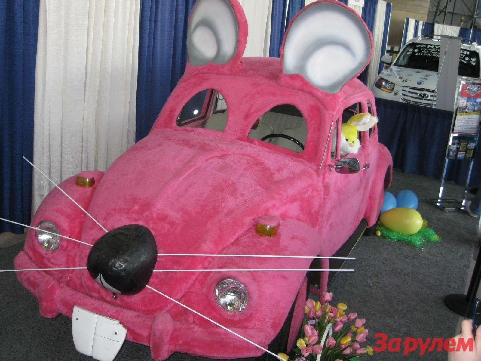 Навыставке были представлены иавтомобили участвовавшие вкинофильмах.