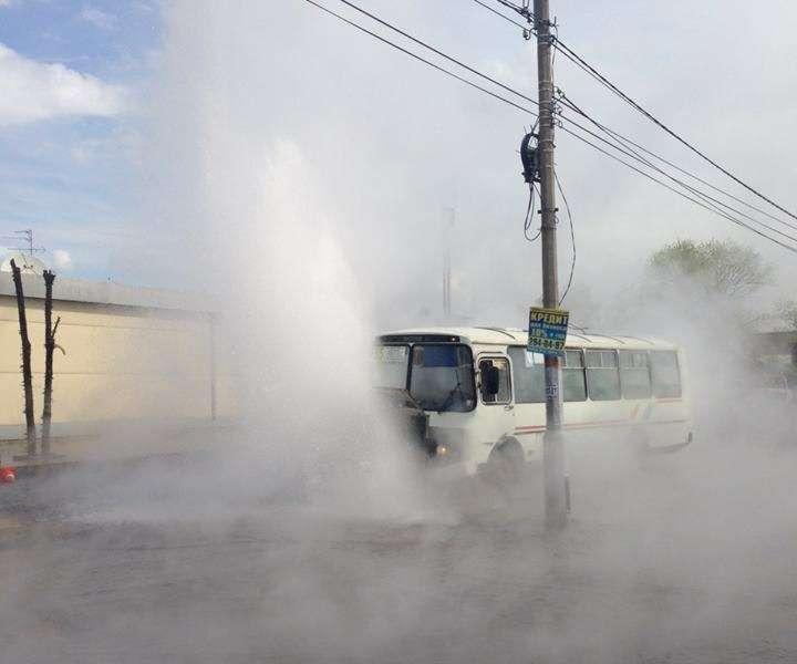 В Красноярске пассажиры автобуса попали подудар кипящей воды