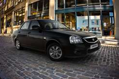 1379680925_priora_sedan_15
