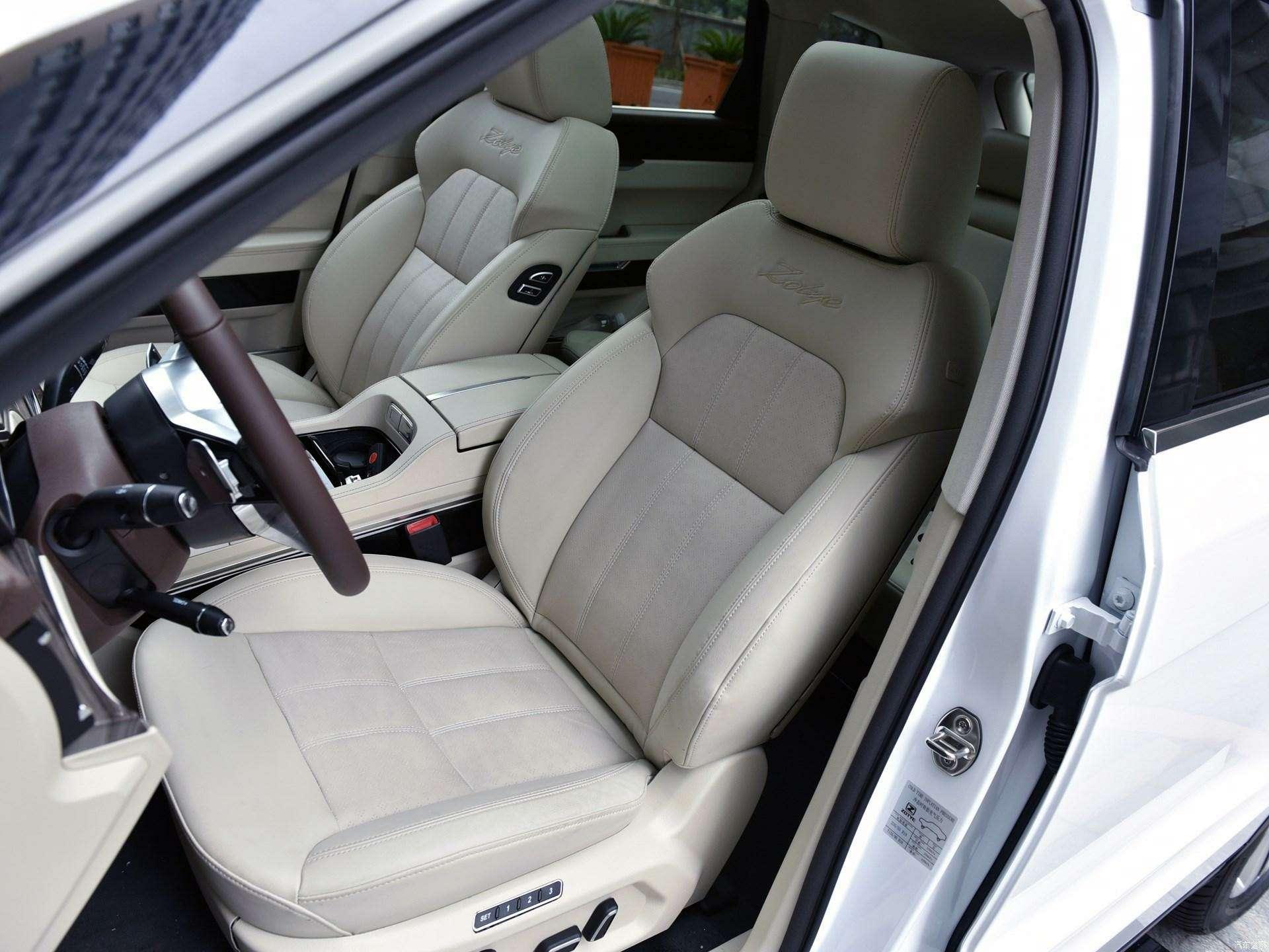Jaguar иLand Rover водном флаконе: стартовало производство кроссовера Zotye T700— фото 727969
