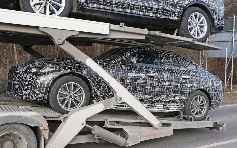 Новую модель BMW впервые сфотографировали