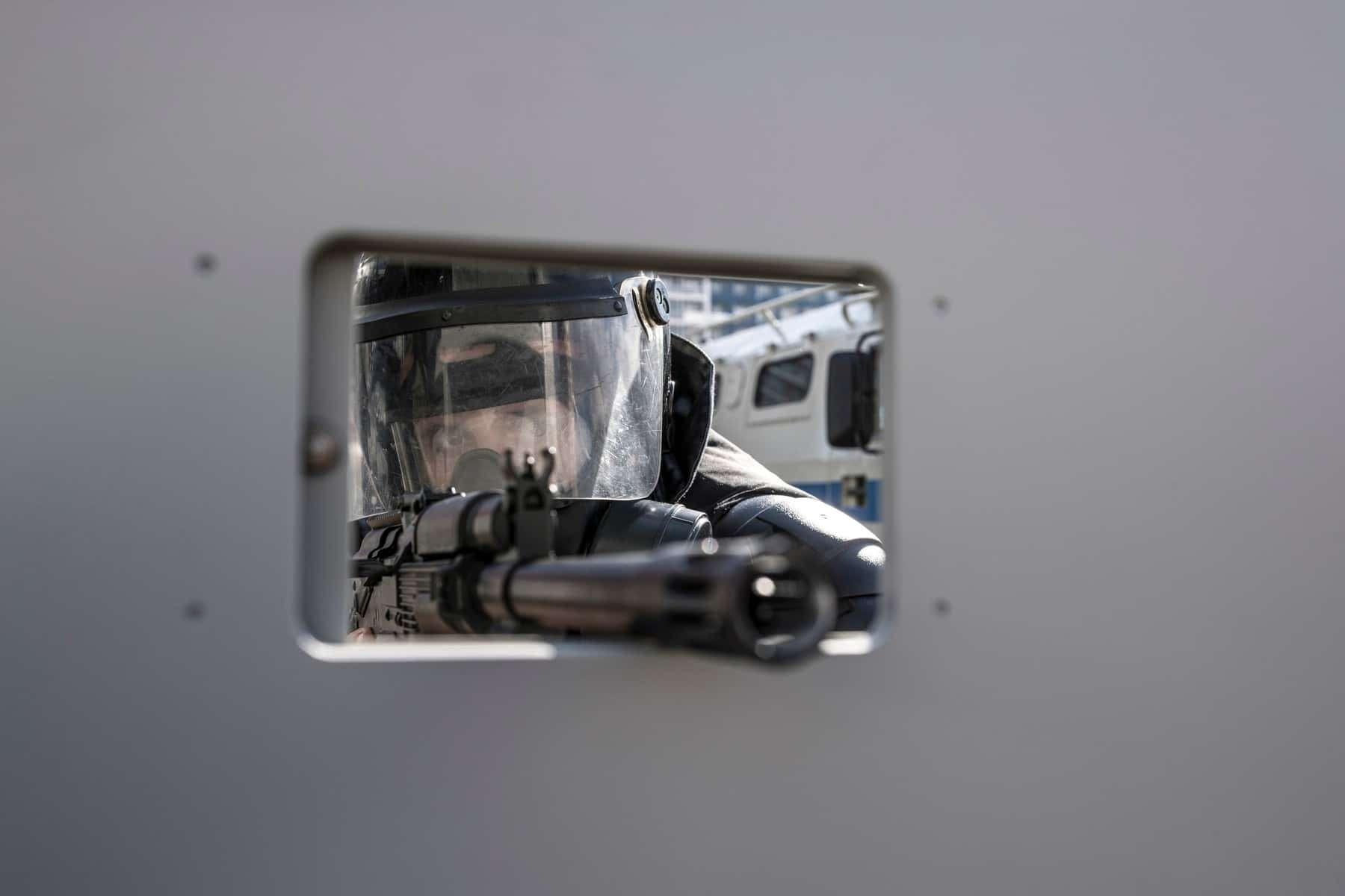 Комплекс «Стена»: Росгвардия получит новую технику дляразгона митингов— фото 906549