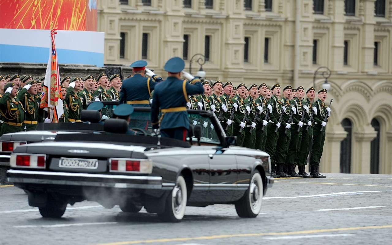 Главный автомобиль Парада Победы: кабриолет Шойгу— фото 864397