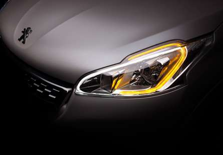 Peugeot-208-GTi-SIGNATURE_LUMINEUSE_1a