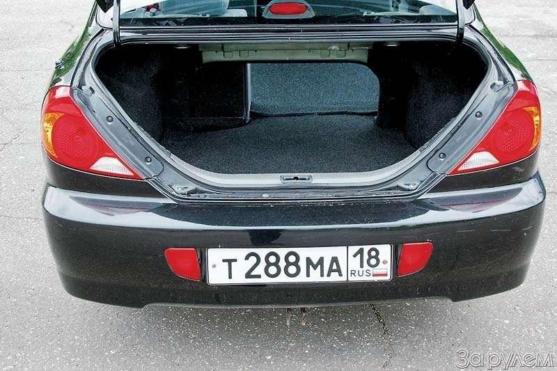 Тест Kia Spectra, Renault Logan, Nissan Almera Classic. Отбатонов доседанов— фото 66422