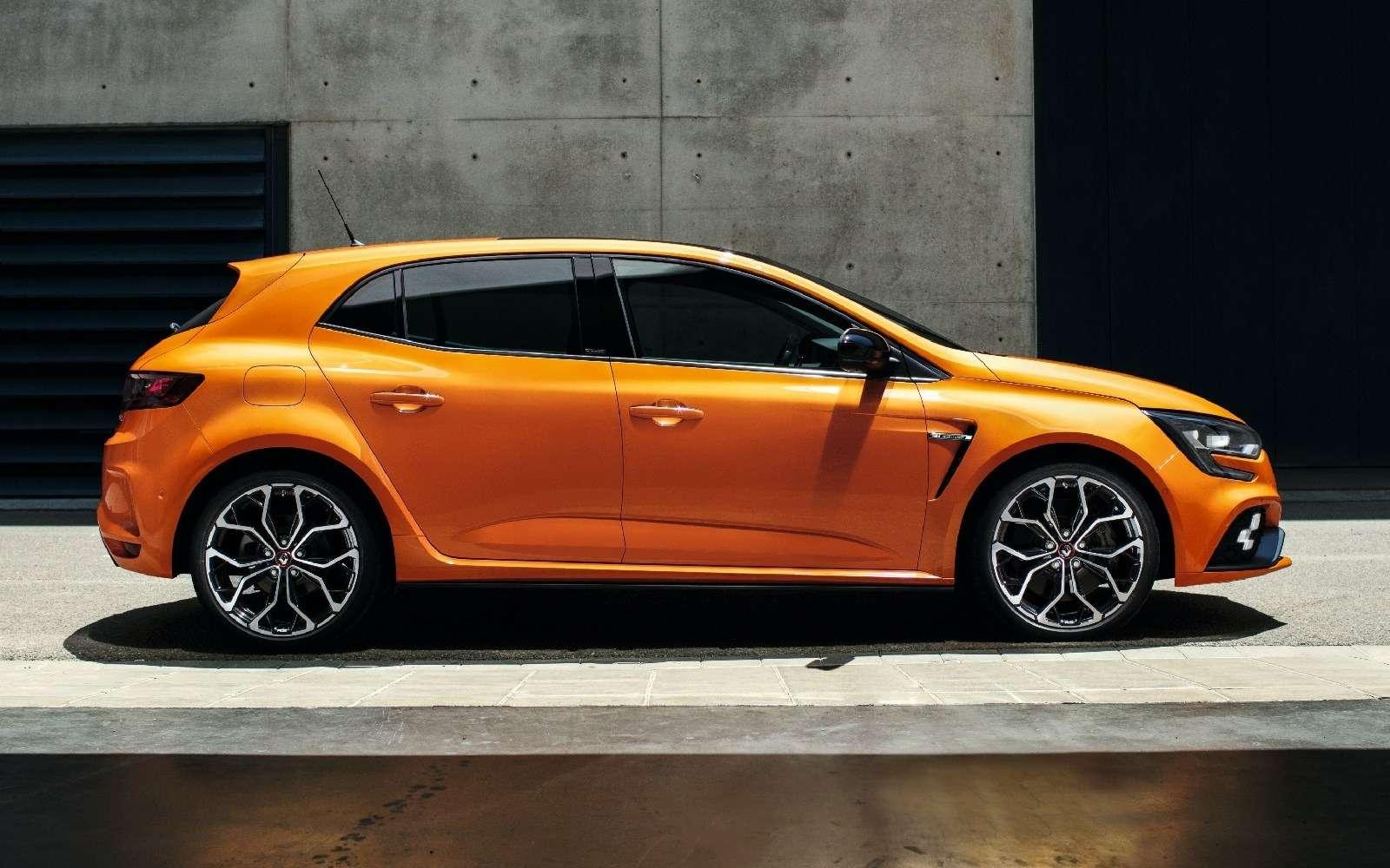 Renault Megane RS: хот-хэтч cдвигателем отспорткара— фото 793722