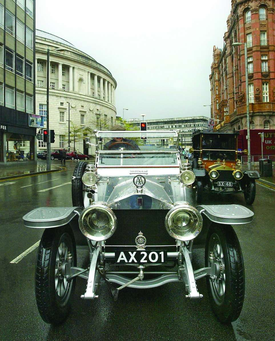 Rolls-Royce 40/50HP, единственный инеповторимый Silver Ghost. Внаши дни оценивается всумму от10млн до30млн фунтов стерлингов. В1907 году обошелся компании вкуда более скромные, новсе женемалые длясвоего времени 1090 фунтов