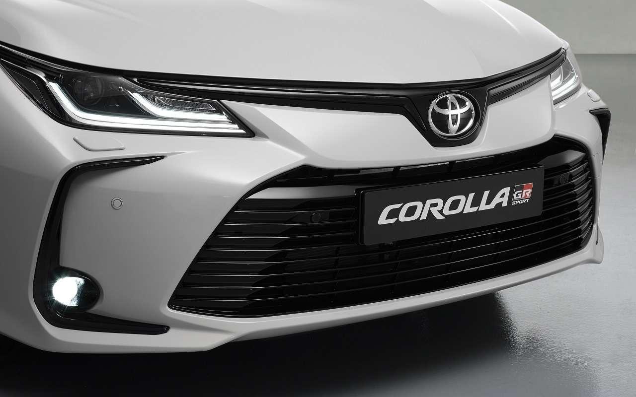 Спортверсия Toyota Corolla: первые фотографии— фото 1146996