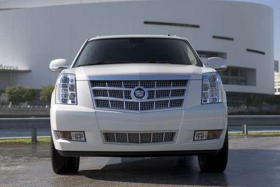 Cadillac Escalade Platinum front view