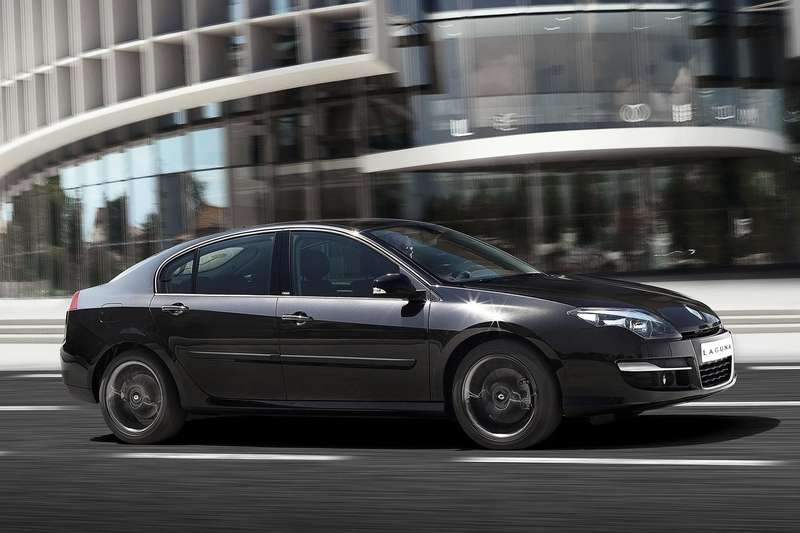 Renault-Laguna_2011_1600x1200_wallpaper_03