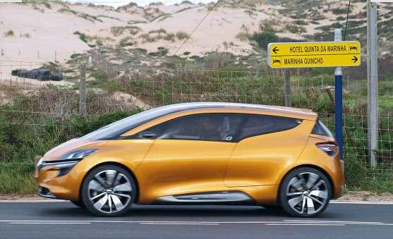 Компактвэн Renault R-Space засветился допремьеры
