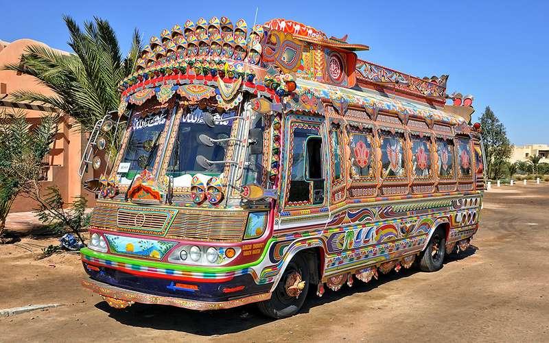 Разукрашенный автобус