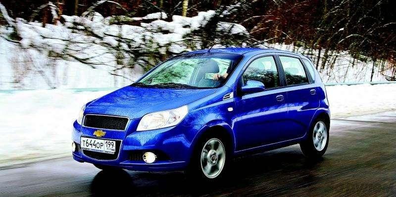 Peugeot 207, Chevrolet Aveo, Skoda Fabia: Кавалеры приглашают дам— фото 93086