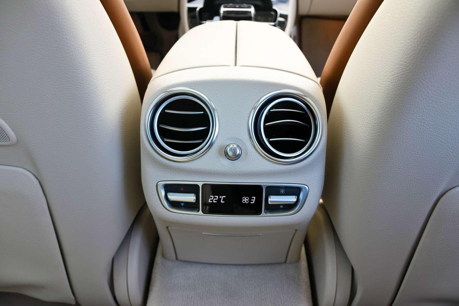 Новый  Mercedes-Benz E-класса: сравниваем версии— фото 570038