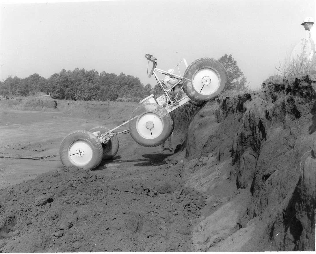 Один изэкспериментальных «луноходов» NASA сколесами большого диаметра. Фото: NASA