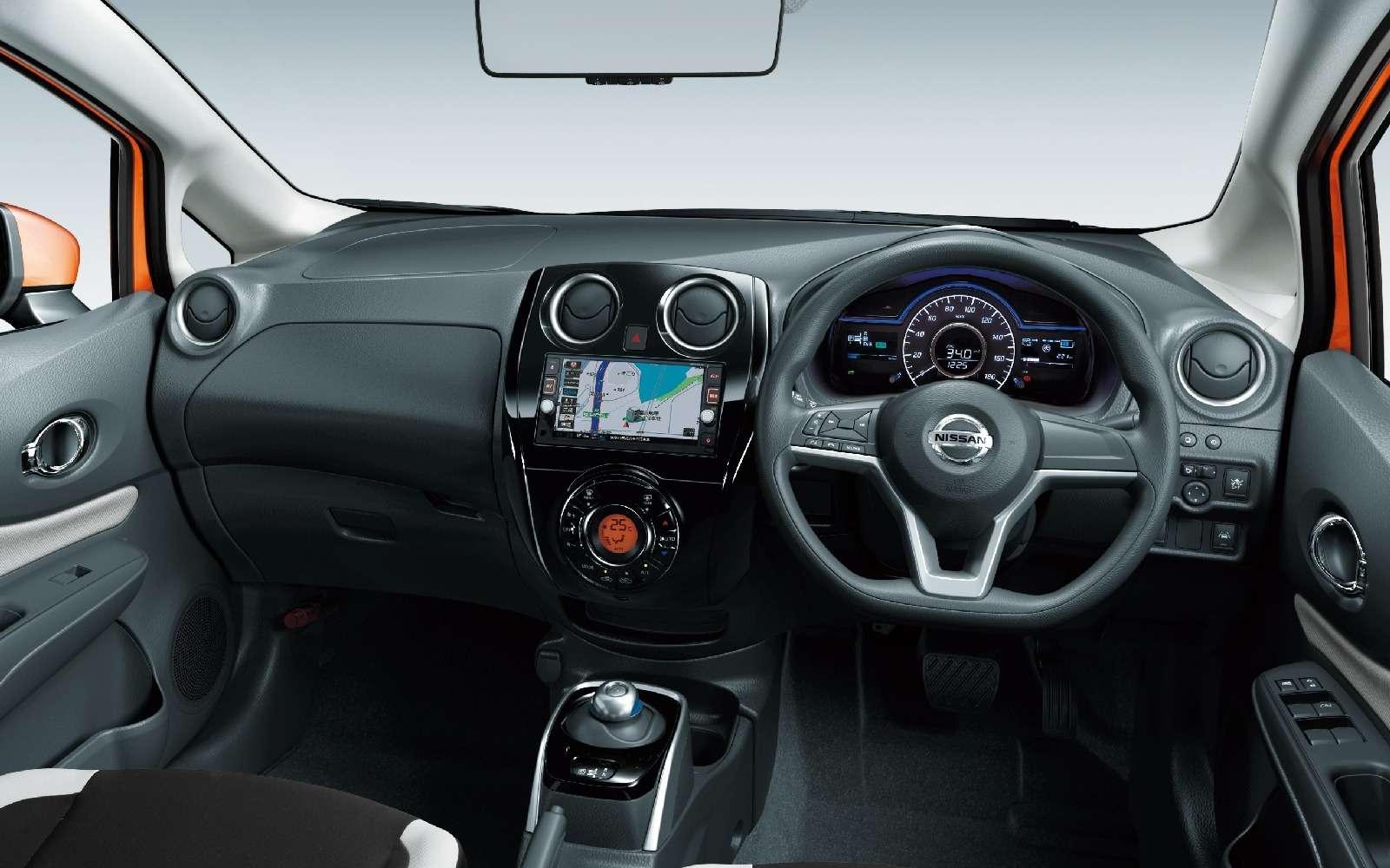 Бегство отрозетки: Nissan избавил электропривод отглавного недостатка— фото 657875