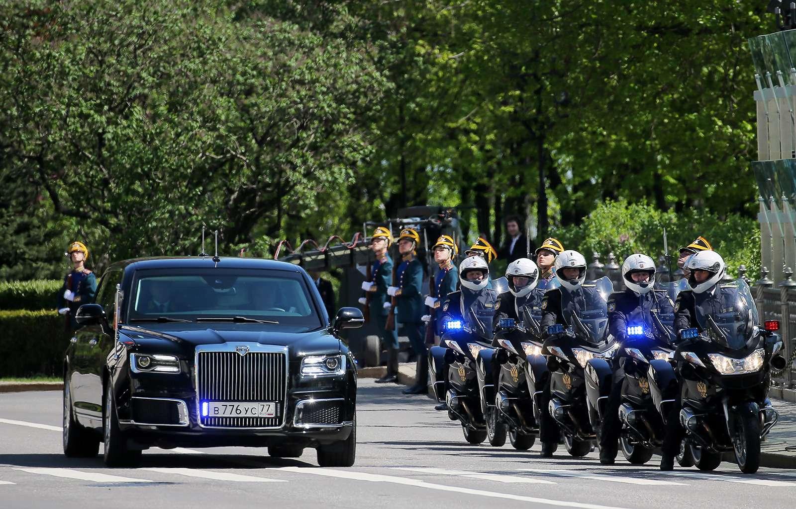 Лимузин президента: 4факта осамом крутом российском автомобиле— фото 868525
