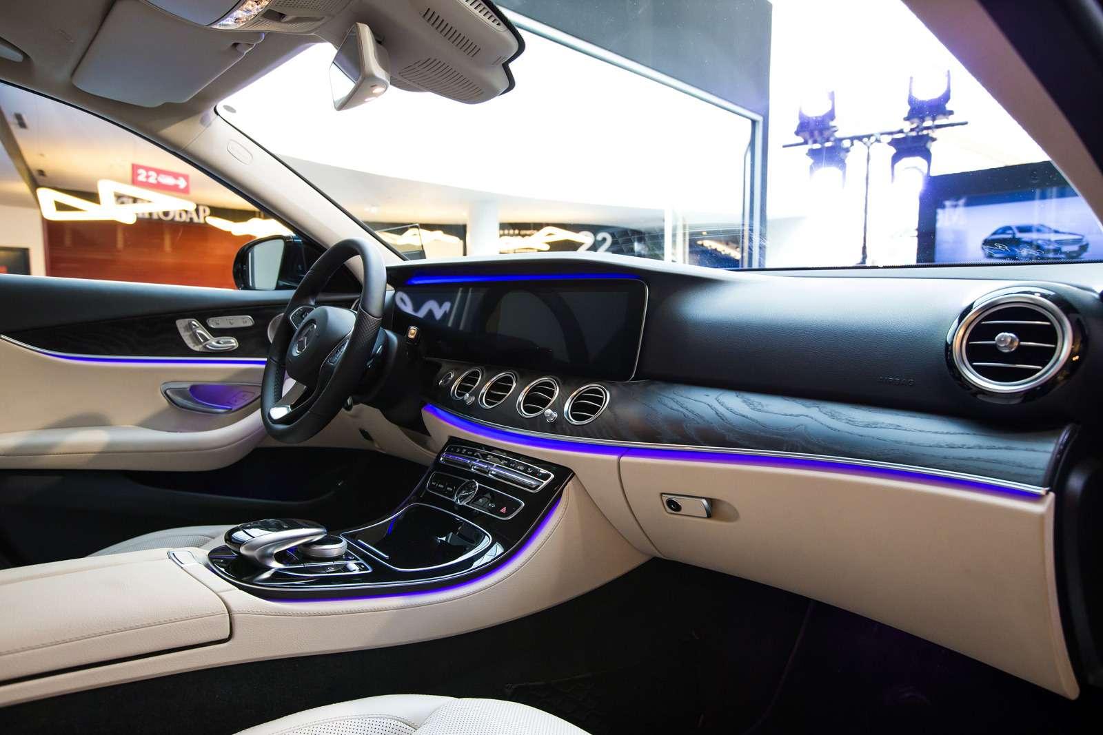 В Россию приехал десятый посчету Mercedes-Benz E-класса— фото 580680