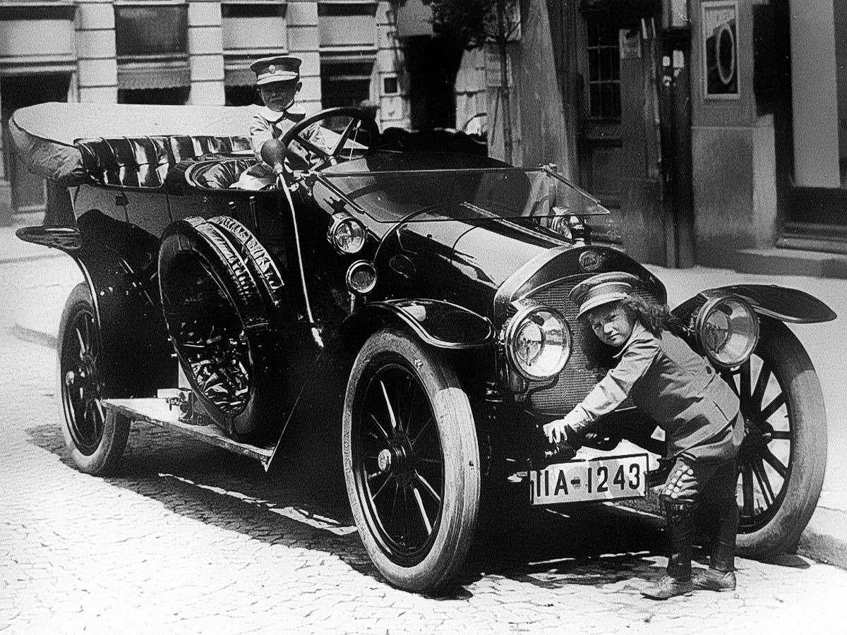 Те, кому за100: самые старые производители автомобилей— фото 589223