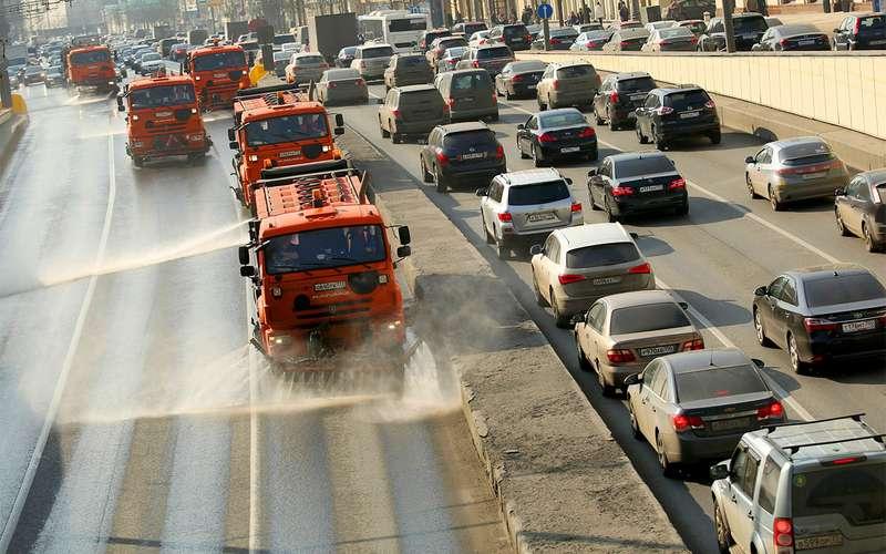 Столичные улицы помоют сшампунем 4 раза