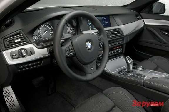 BMW M550d xDrive inside