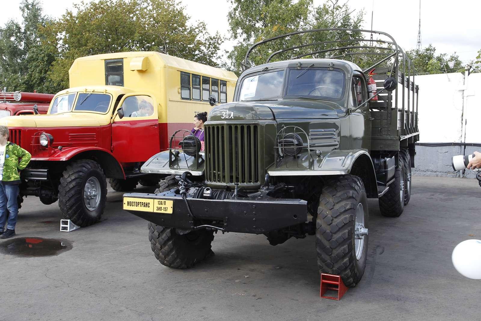 Автобусы нашего детства— выставка пассажирского транспорта— фото 792595