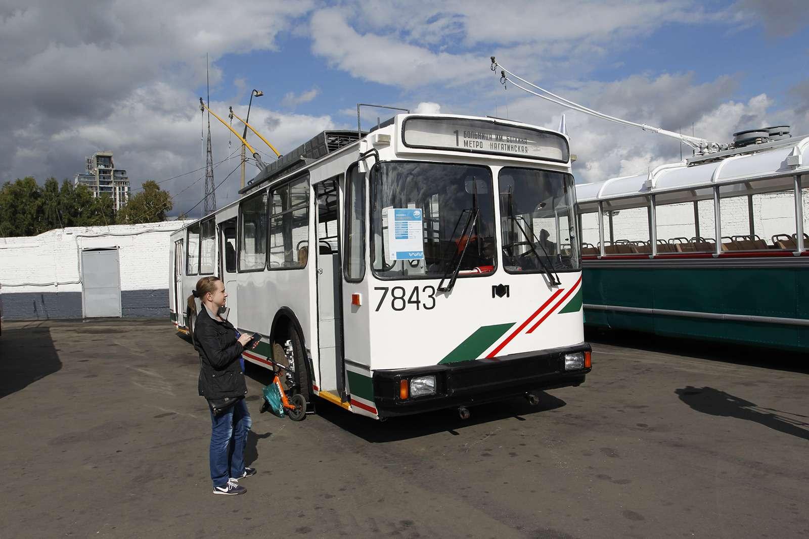 Автобусы нашего детства— выставка пассажирского транспорта— фото 792618