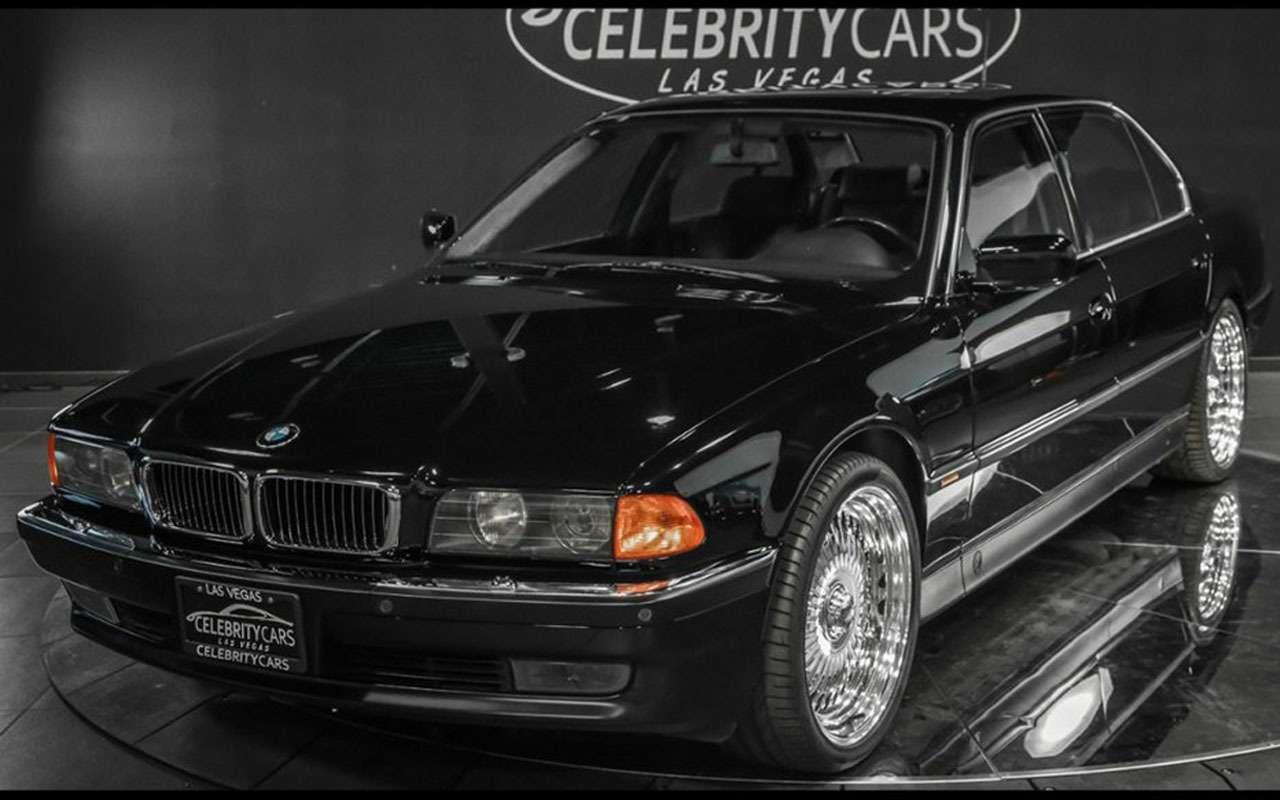 BMWзастреленного Тупака никак не продадут— все дело вдырках— фото 1059703