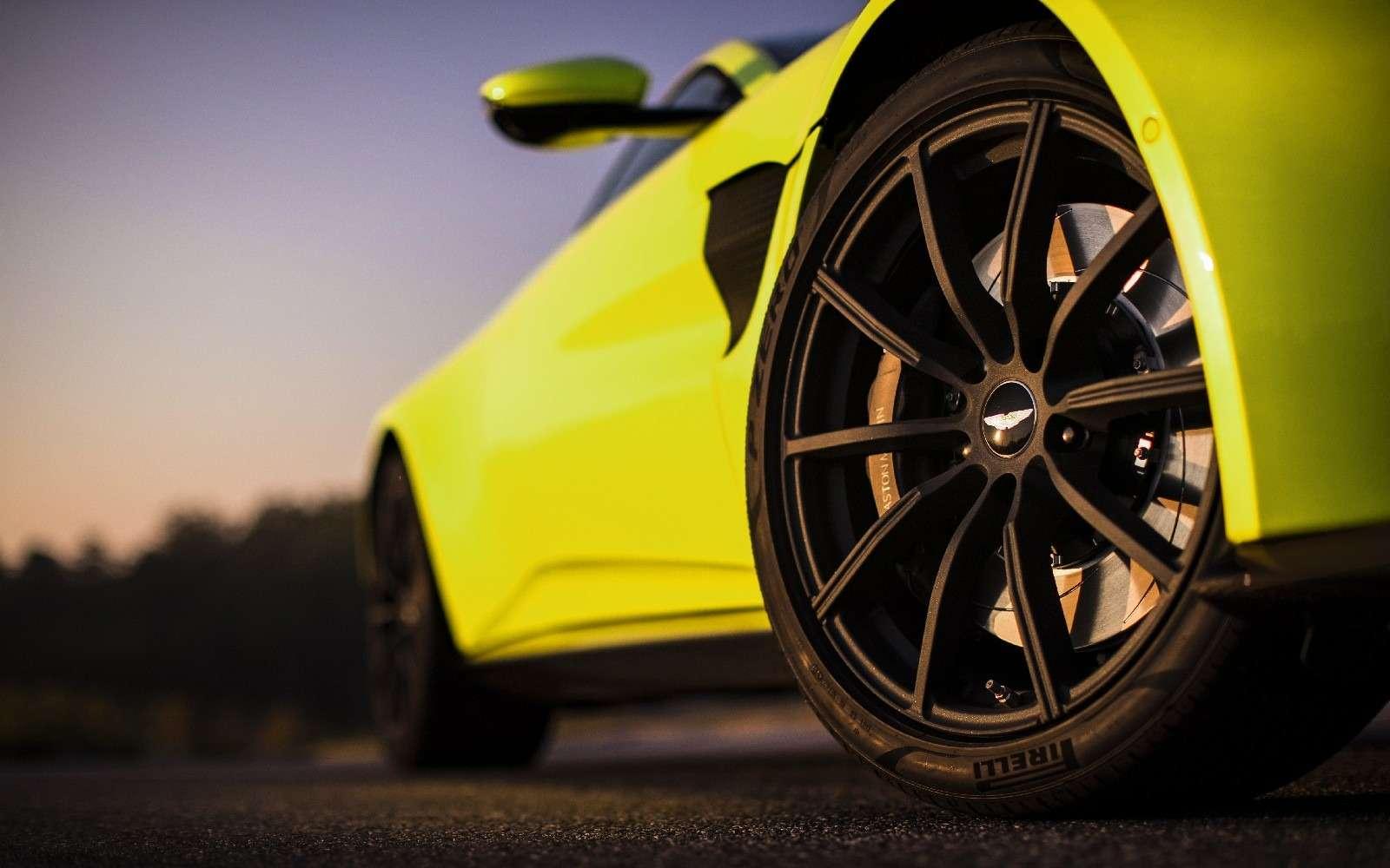 Проверено Джеймсом Бондом: представлен новый Aston Martin Vantage— фото 818855