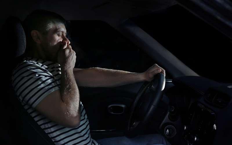 Пока мыспим, кто-то гибнет: что делать сночными авариями