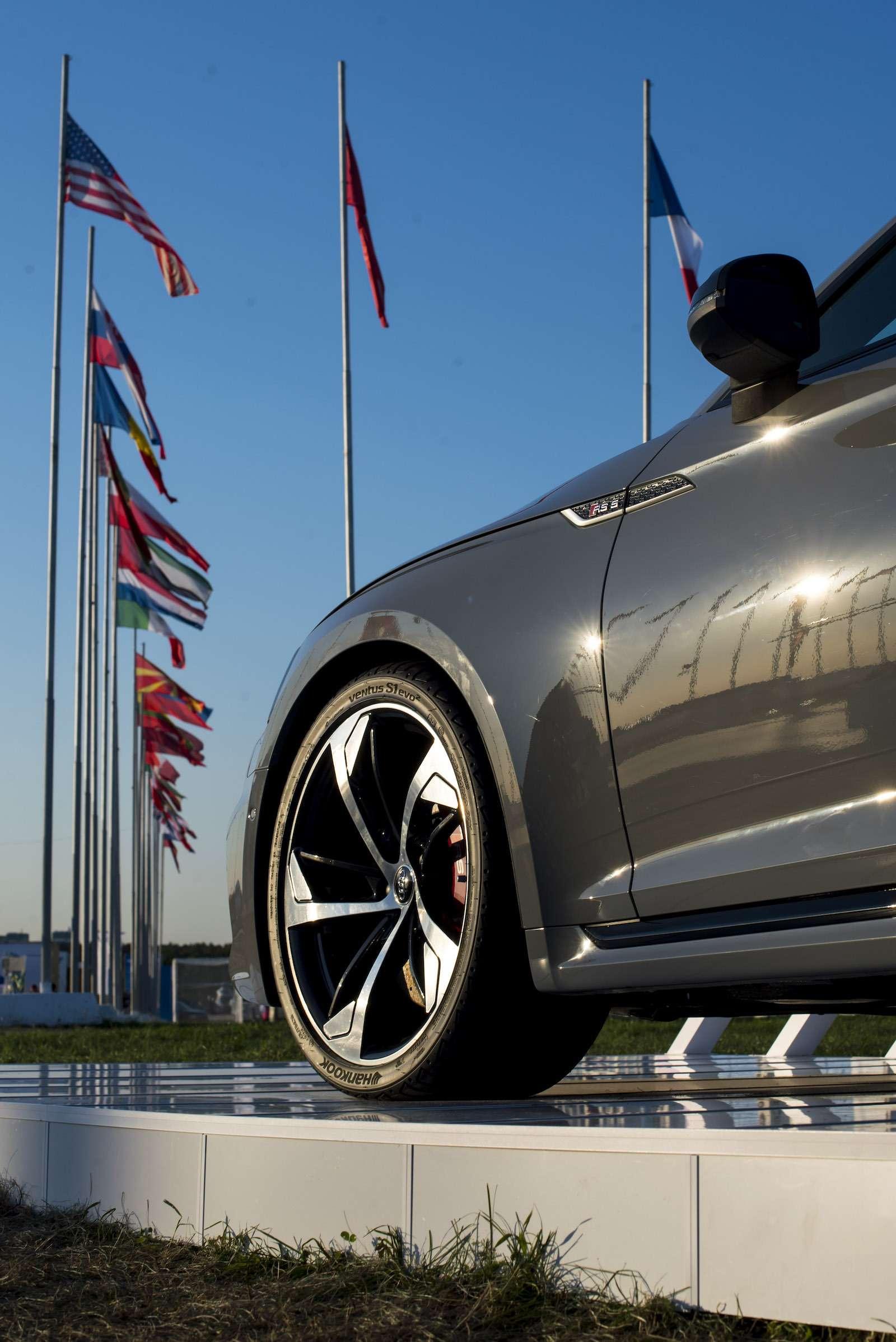 МАКС-2017: премьера Audi SQ5и RS5и гонки ссамолетами— фото 777823