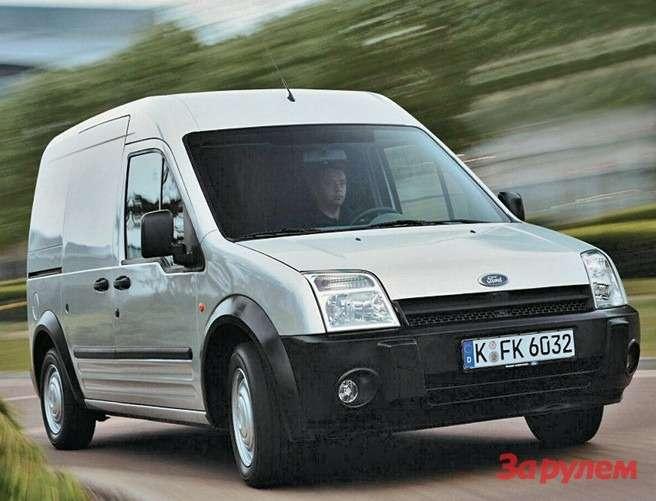 Transit Connect первого поколения:  эмблема Ford— накрышке капота