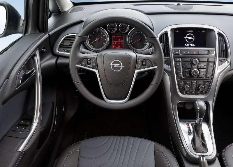 Opel-Astra_Sedan_2013_1600x1200_wallpaper_0d